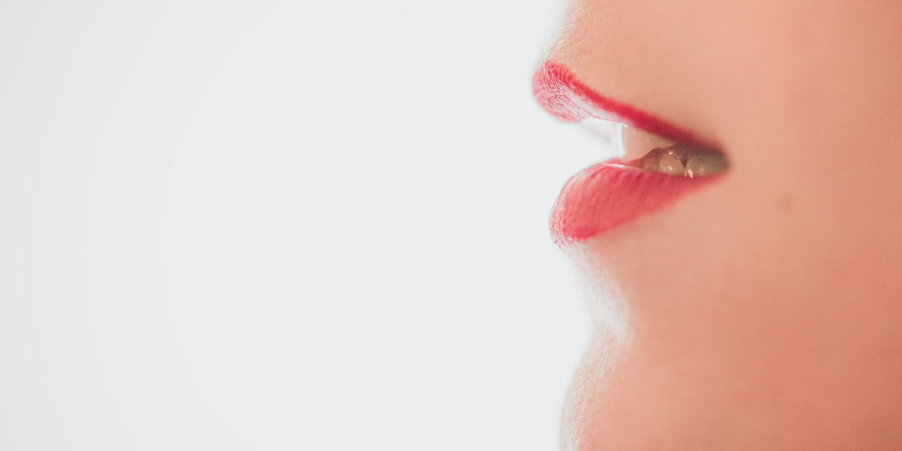 Perleche / Angular Cheilitis: How to Treat Cracks at the Corners of the Mouth